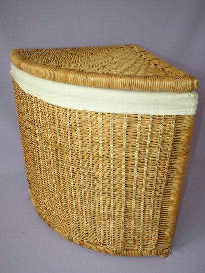 Kapradinový prádelní koš rohový