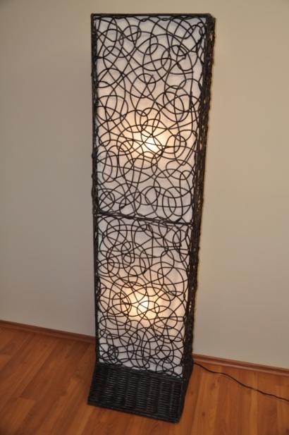 Lampa ratanová vysoká