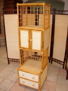 Ratanová skříňka  dvířka ,2 zásuvky